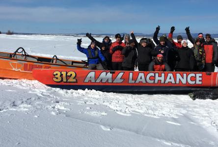 Les cadets s'initient au canot à glace