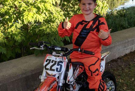 Championnat national de motocross à 6 ans!