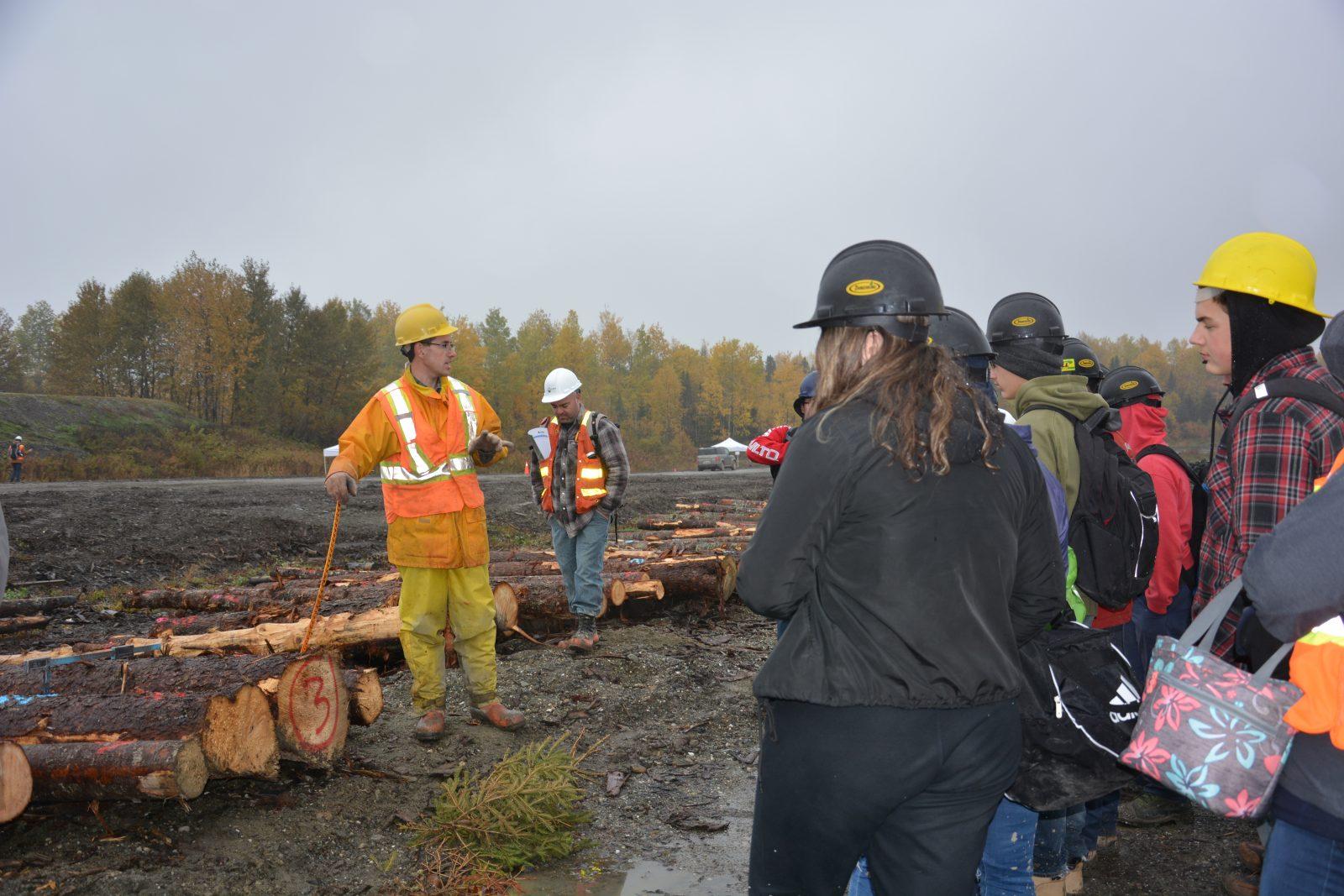 Une première en Chaudière-Appalaches: 225 jeunes découvrent les métiers de la forêt et du bois