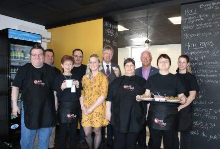 Café Au p'tit bonheur ouvre ses portes… et son coeur!