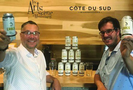 La Microbrasserie Côte-du-Sud lance la bière L'ADLS!
