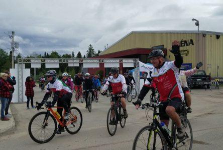 Le Défi Vélo Pierre Daigle attire 70 participants malgré le froid