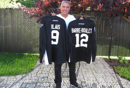 Mario Brulotte achète les gilets de Blais et Barré-Boulet au Boot Camp