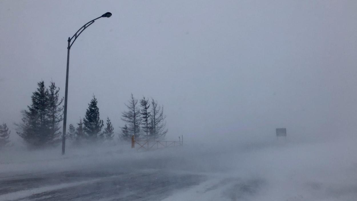 Réouverture de l'autoroute 20 et la route 132