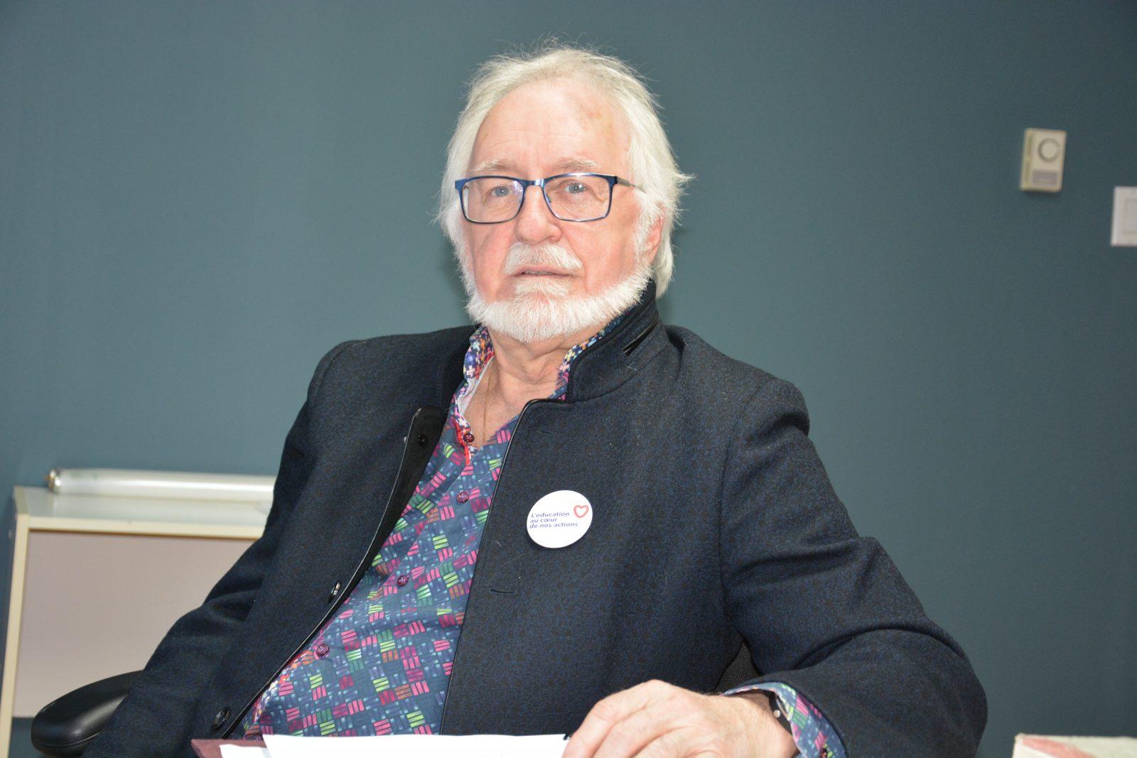 Alain Grenier se dit peiné de la disparition des commissions scolaires