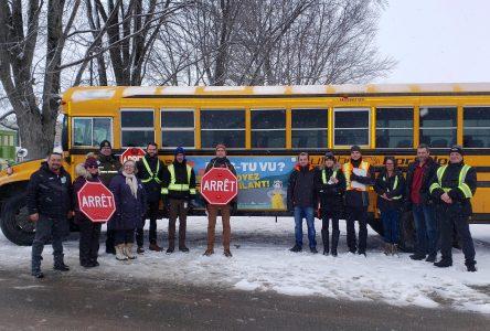 Campagne M'as-tu vu?: on n'ignore pas un autobus scolaire