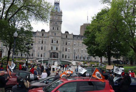 Convoi automobile des syndicats CSN: une balade pour la santé !