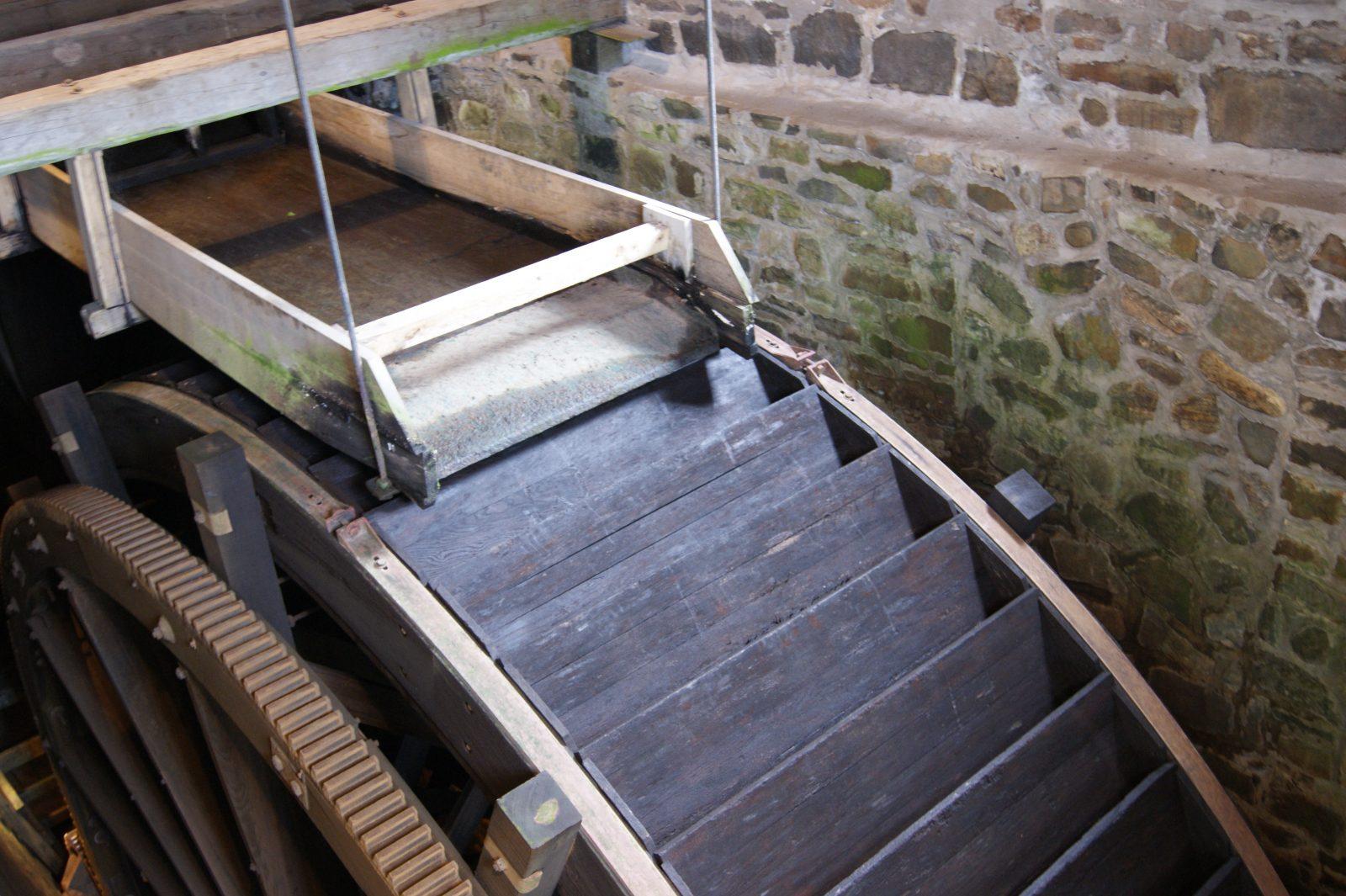La roue à eau du moulin de la Seigneurie des Aulnaies sera restaurée