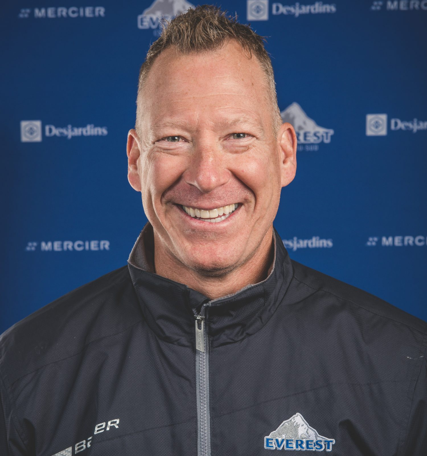 Simon Olivier nommé entraîneur adjoint pour l'équipe Canada Est dans le cadre du Championnat mondial junior A