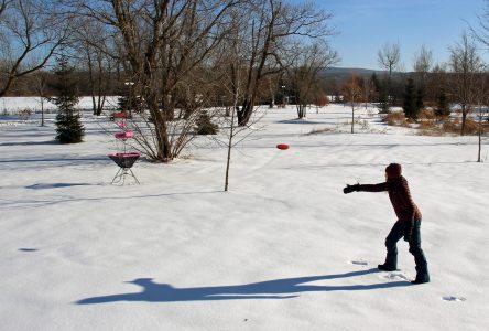 Un parcours de « disc golf » hivernal au parc St-Nicolas