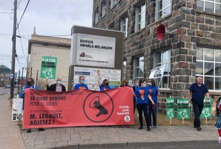 Des membres du secteur public manifestent à Montmagny