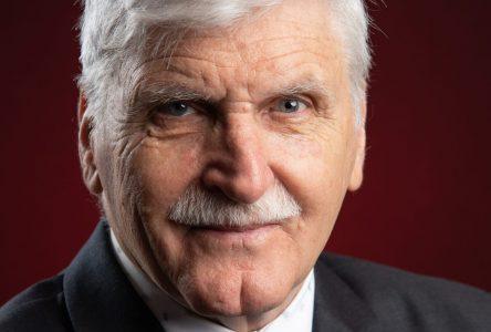 Roméo A. Dallaire honore les cadets de la région de Montmagny-L'Islet
