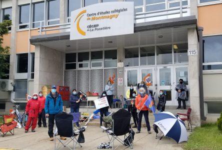 Les enseignants du CÉC Montmagny en grève pour une troisième journée