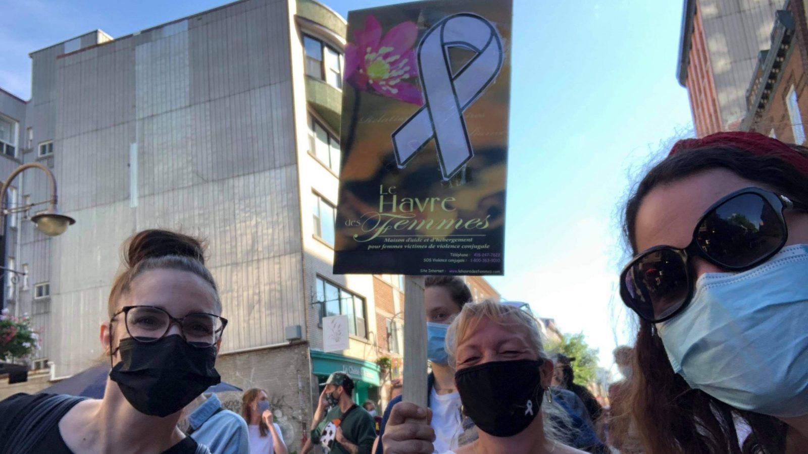 Le Havre des femmes à la marche en mémoire des victimes de violence conjugale