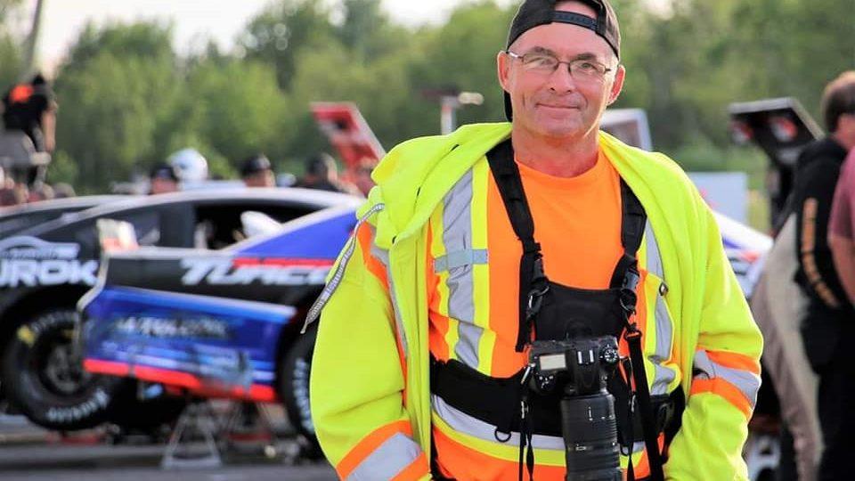 Le photographe de l'Autodrome de Montmagny happé par une voiture lors du dernier programme