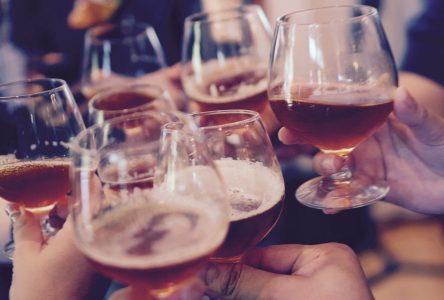 Les bars serviront de l'alcool jusqu'à 1h dès le 1er août