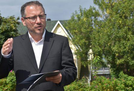 Simon Bérubé s'engage à protéger l'accord Ottawa-Québec concernant les places en garderies
