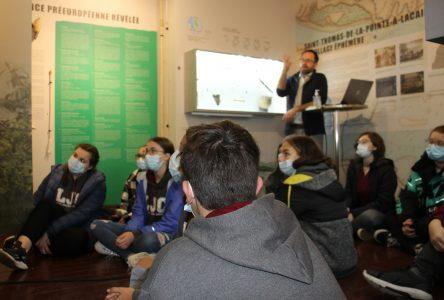 Des élèves initiés à l'histoire de la Seigneurie à partir de l'archéologie
