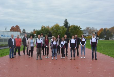 Inauguration de la piste d'athlétisme à l'école Louis-Jacques-Casault
